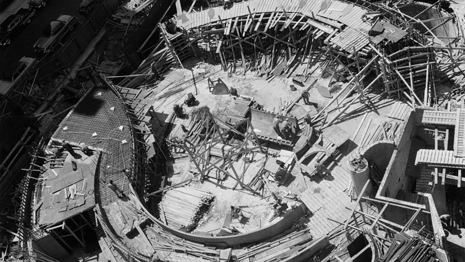 Solomon R. Guggenheim Museum, on construction, courtesy Yale University Press.